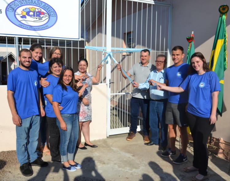 Governo Municipal entrega à comunidade um novo  Centro Integrado Renascer