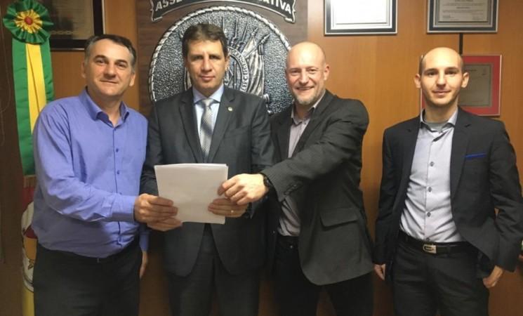 Prefeito Maurício Soligo cumpriu agenda em Porto Alegre
