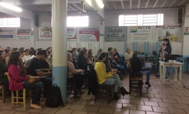Administração Municipal realiza Encontro Pedagógico sobre a Base Nacional Comum Curricular