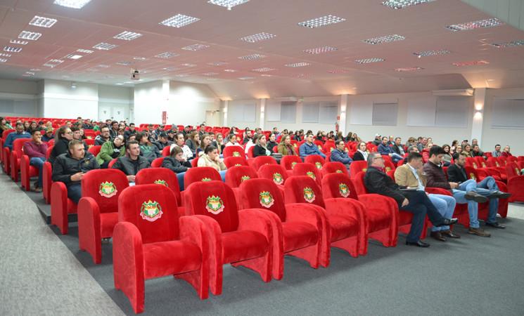 Técnicos da Secretaria da Agricultura, apresentam a nova estrutura após fusão de secretarias