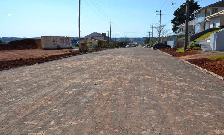Entregues mais duas obras de melhorias nas ruas da cidade para a comunidade de Getúlio Vargas