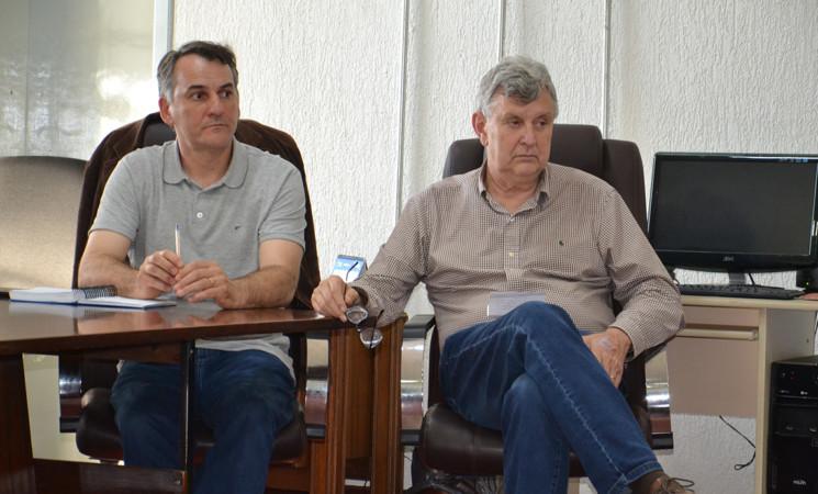 Senador Luis Carlos Heinze visita Getúlio Vargas e se reúne com lideranças