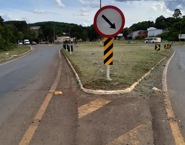 EGR atende solicitação e realiza a limpeza dos trevos de acesso à cidade