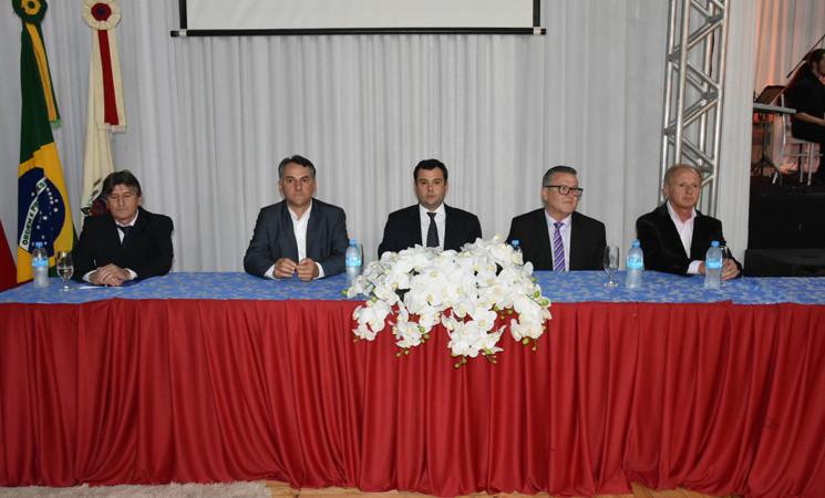 Prefeitura de Getúlio Vargas e Câmara de Vereadores realizam a entrega do Troféu Destaque Econômico 2019