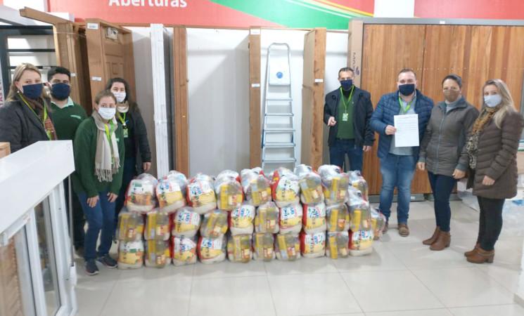 CRAS de Getúlio Vargas recebe 75 cestas básicas de campanha das lojas Quero-Quero
