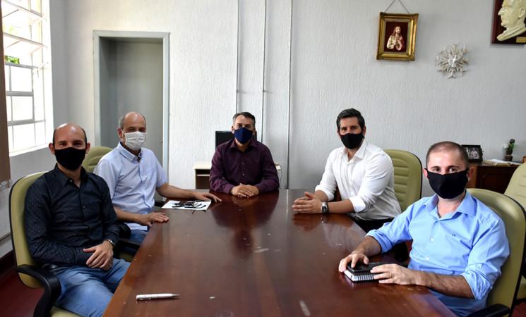 Prefeito Soligo recebe visita de novos gestores de Tapejara