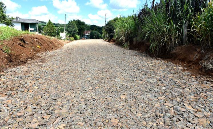 Prefeitura de Getúlio Vargas prepara estrada para receber asfalto