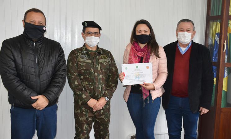 Responsável pela Junta de Serviço Militar de Getúlio Vargas recebe Certificado de Excelência do Exército